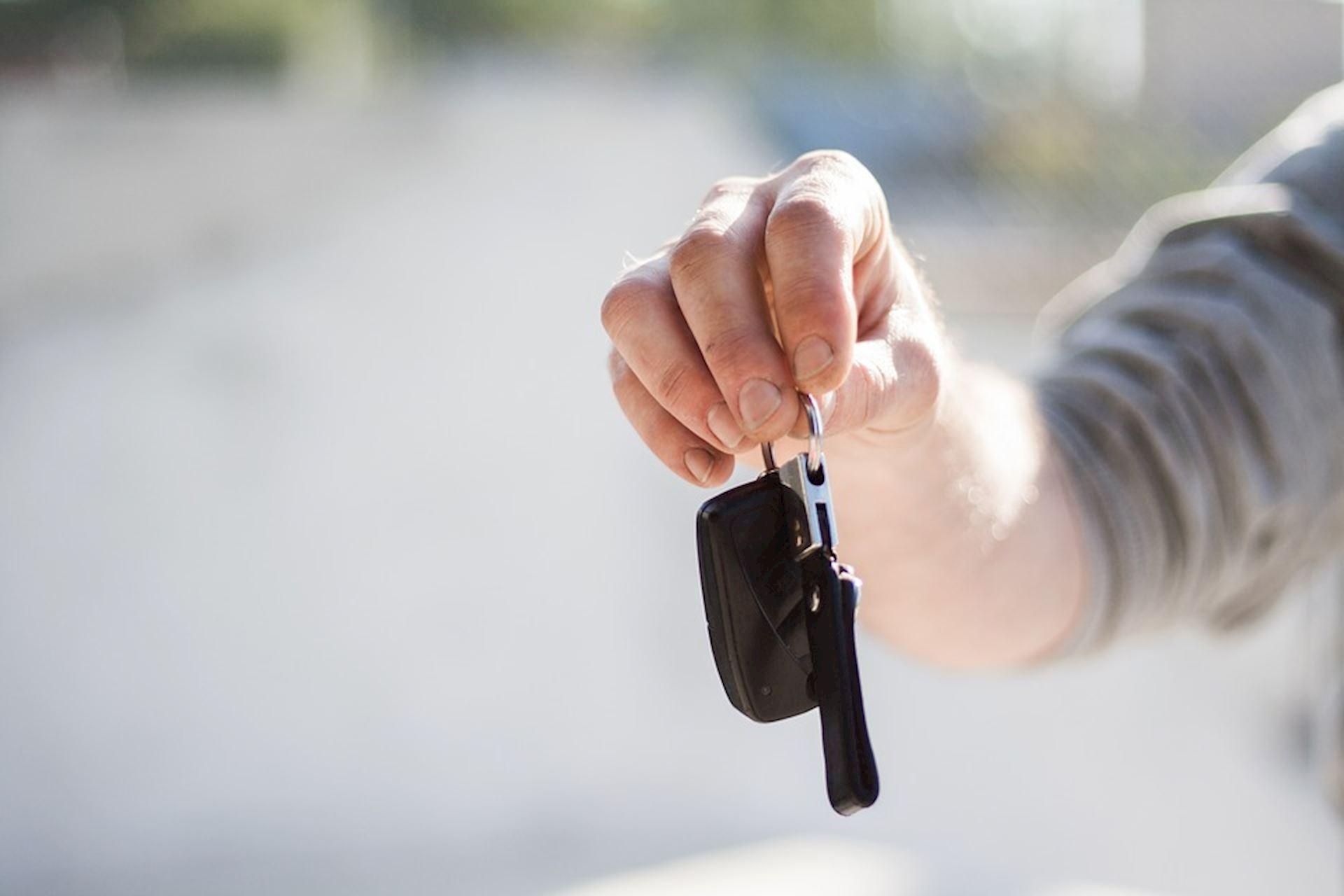 Choosing the Right Car Sales Professional