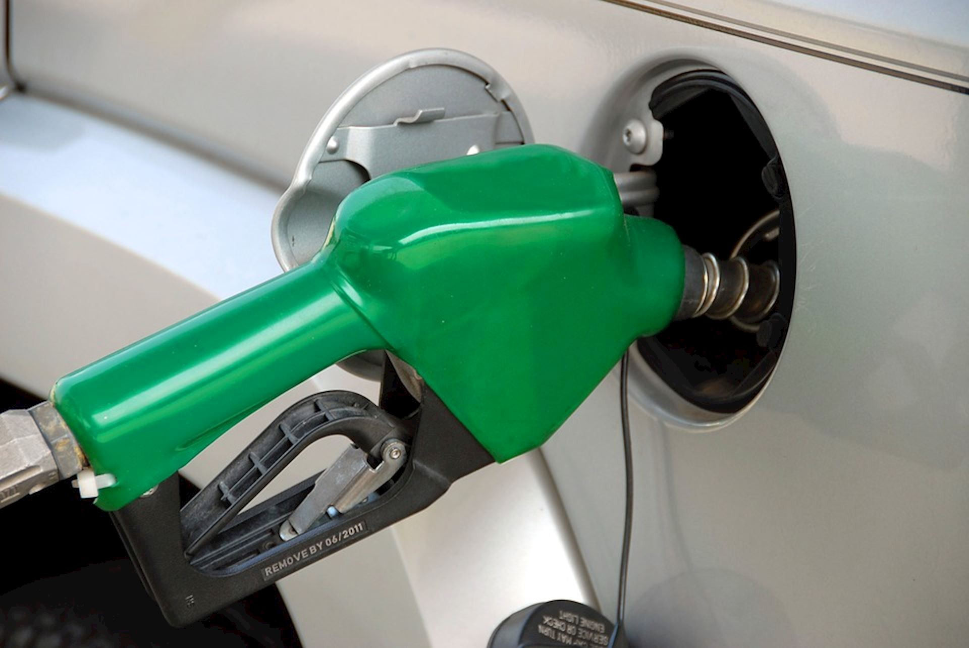 Tips To Drive Efficiently & Save Gas $$ Over These Winter Months